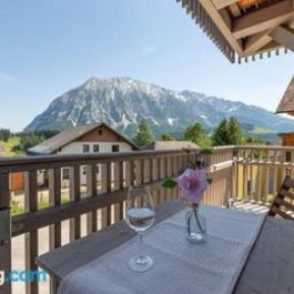 Alpine Appartement Top 3 by AA Holiday Homes