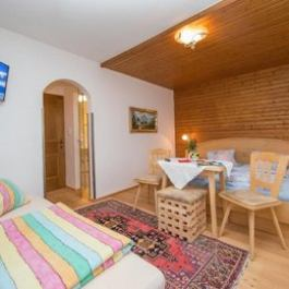 Holzl Bed Breakfast